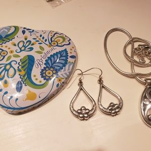 Like new Brighton CONTEMPO necklace & earrings